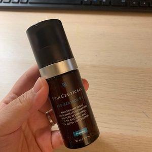 SkinCeuticals Resveratrol BE antioxidant serum